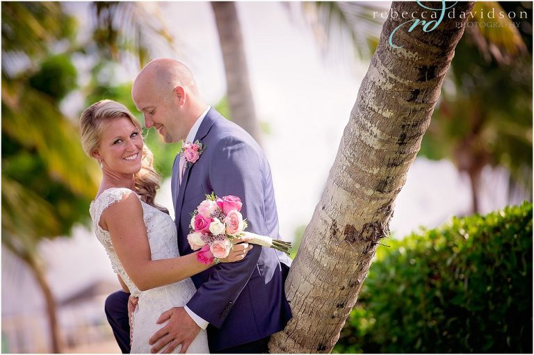 hugging on coconut tree