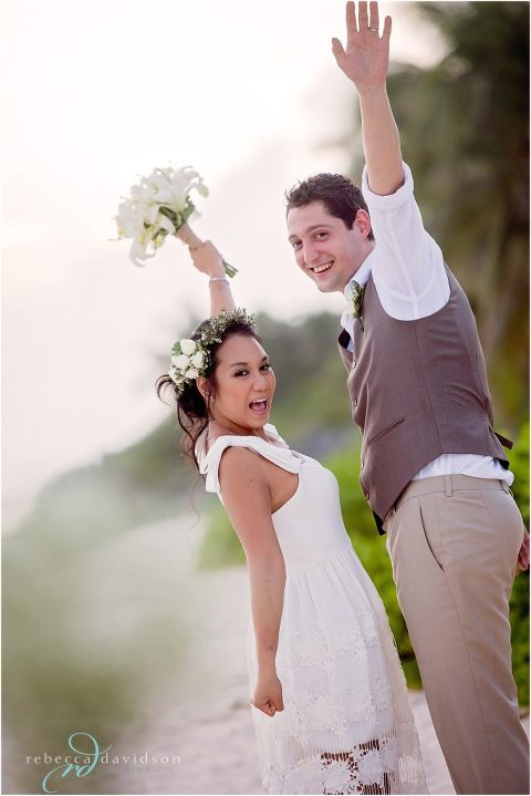 bride_and_groom_in_neutral_colours